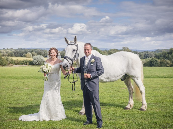 Horse Bride country wedding