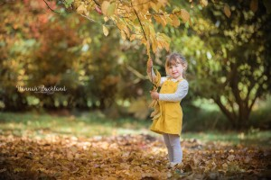 child portrait photography autumn leaves Gloucestershire