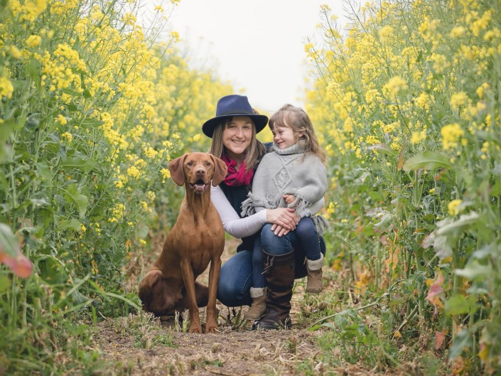 Family portrait rapeseed blossom